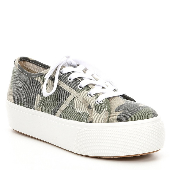 Steve Madden Shoes   Camo Platform